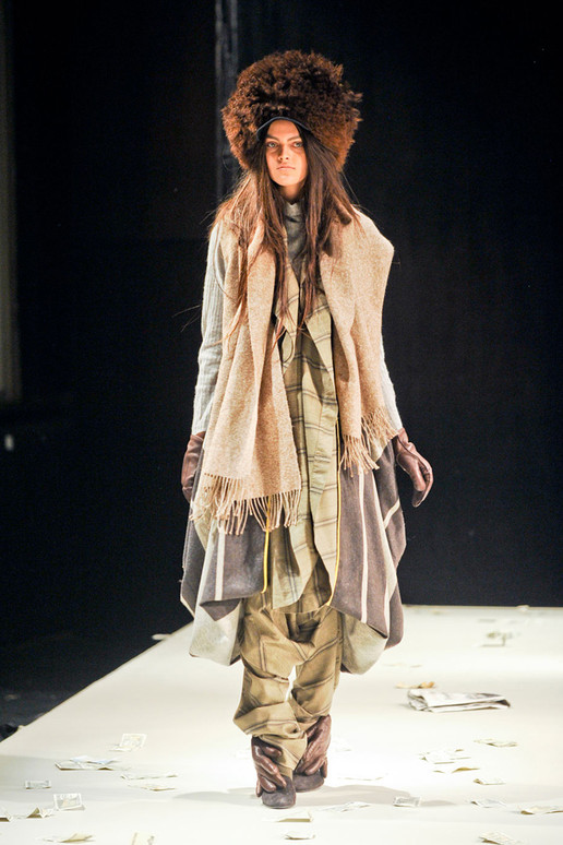 MIGUEL-ADROVER-FALL-2012-RTW-PODIUM-032_runway